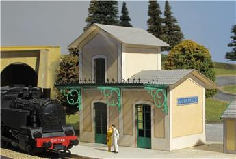 Gare avec marquise - Bretagne