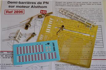 Demi-barrières de PN sur moteur Alsthom