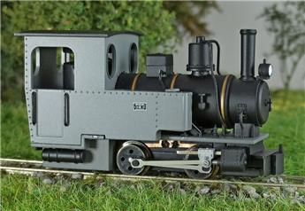 Locomotive 020 T Henshel Riesa grise châssis noir