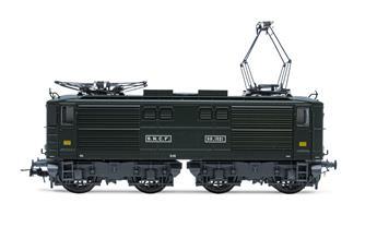 Locomotive électrique série BB 1521, livrée verte, époque III SNCF