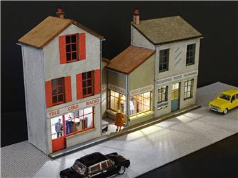 Fond de décor en relief 3 maisons avec Poste