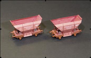 4 Caisses de wagons Etat