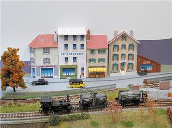 """Ensemble de bâtiments en carton à découper """"Fonds de décor n° 1"""""""
