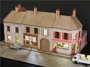 Alignement de 3 Maisons de Bourgogne 3 commerces 2 angles
