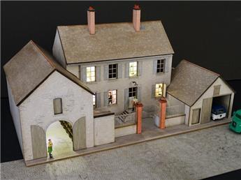 Alignement de 3 Maisons de Bourgogne sans commerce ni angle